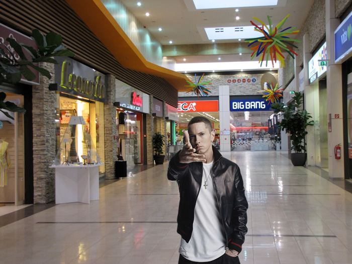 eminem centro commerciale