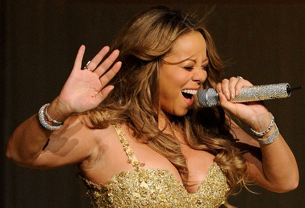 Mariah Carey Performs At The Gibson Amphitheatre