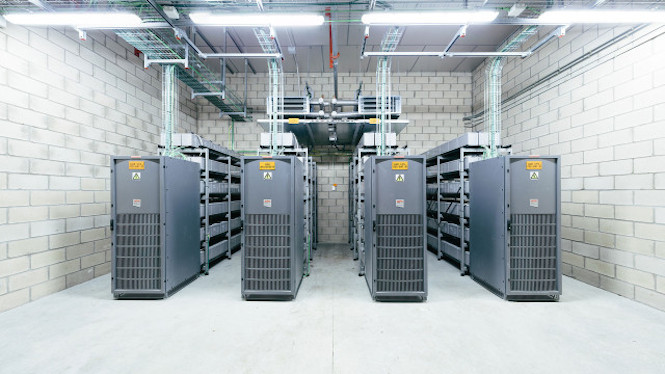 internetmachine4-640x360