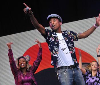 """Pharrell e l'esibizione di """"Freedom"""" al Glastonbury"""