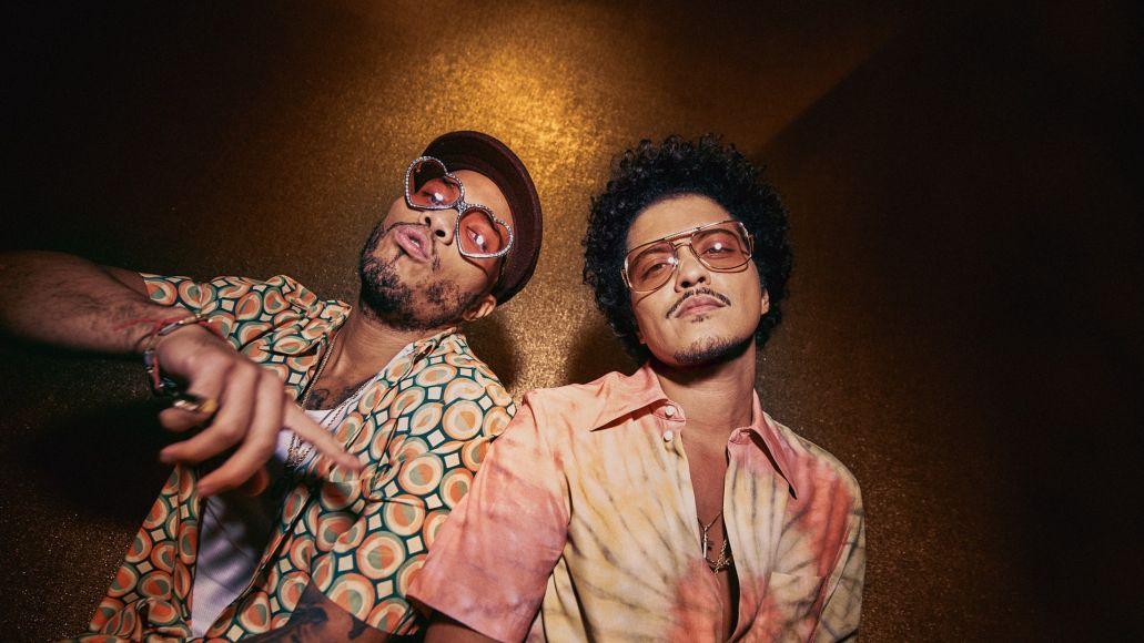 Leave the Door Open è il primo singolo di Anderson .Paak e Bruno Mars